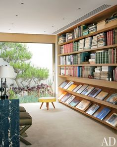 Contemporary Office/Library by Brad Dunning and Marmol Radziner + Associates in Beverly Hills, California