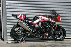 Another GPz1100 built by Nobuaki Harigae.