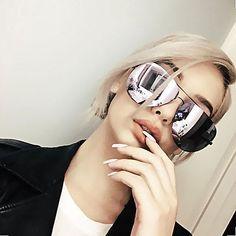 Quay x Amanda Steele Muse Sunglasses in Black/Purple Mirrored Aviator Sunglasses, Aviator Glasses, Cute Sunglasses, Sunnies, Reflective Sunglasses, Sunglasses Online, Oakley Sunglasses, Sunglasses Women, Handbag Accessories