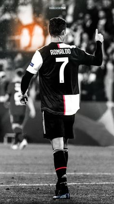 Juventus Soccer, Ronaldo Football, Cristiano Ronaldo Juventus, Juventus Fc, Cr7 Wallpapers, Ronaldo Photos, Cristino Ronaldo, Cristiano Ronaldo Wallpapers, Ronaldo Real Madrid