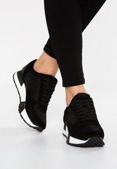 quality design 39f1c 6dc9b Trainers - black Zapatos Bajos, Zapatos Bonitos, Zapatos De Moda,  Zapatillas Dama,