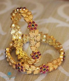 Temple Jewellery - Buy authentic temple jewelry designs online Page 3 - KO Jewellery Gold Bangles For Women, Gold Bangles Design, Gold Jewellery Design, Gold Temple Jewellery, Gold Chain Design, Silver Bangles, Gold Jewelry, Silver Rings, Indian Jewelry Earrings