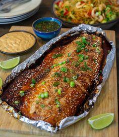 Healthy Salmon Recipes, Fish Recipes, Asian Recipes, Vegetarian Recipes, Whole Salmon Recipe, Zeina, Grilled Veggies, Slow Food, Fish Dishes