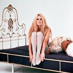 Brigette Bardot, 1960....bed idea