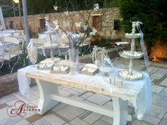 Ρομαντικό τραπέζι ευχών στον εξωτερικό χώρο του κτήματος Αριάδνη