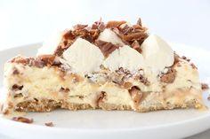 Daimglasstårta Muffins, Cold Desserts, Cupcakes, Tiramisu, A Food, French Toast, Ice Cream, Breakfast, Ethnic Recipes