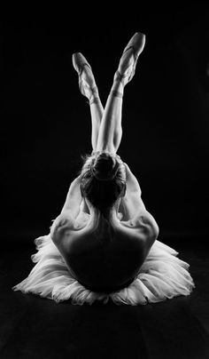 Ballet poses - You cannot do the same things every day and expect new results! --Danielle Fagan Collective Evolution