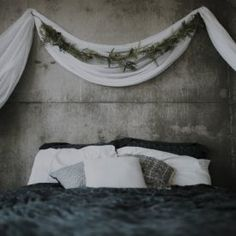 Or, drape fabric on wall hooks for a luxe half-canopy look. 20 Ways To Make Your Bed The Most Comfortable Place On Earth Canopy Bed Curtains, Wall Drapes, Bedroom Drapes, Diy Canopy, Fabric On Walls, Bed Canopies, Wall Behind Bed, Bed Wall, Bedroom With Bath