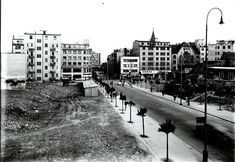 Ďalšie znalosti získaval u bratislavského mestského fotografa Jozefa Hofera, respektíve vo firme Friedl, a v spolupráci na školských prácach Jána Ladvenicu, žiaka profesora Kožehubu. Po skončení základnej vojenskej služby v roku 1929 sa zamestnal vo Vedeckých ústavoch mesta Bratislavy. Bratislava, Old Street, Old Photos, Nostalgia, It Cast, Street View, Country, Times, Geo