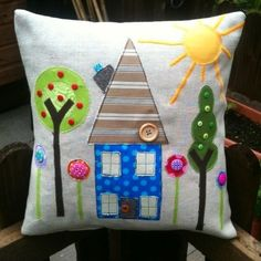 House pillow @ DIY Home Ideas