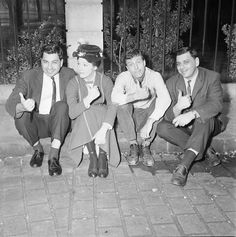 Julie Andrews and Dick Van Dyke sitting with the Sherman Brothers.