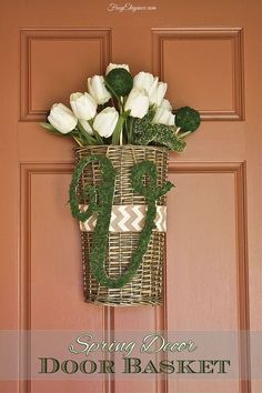 Hometalk :: Spring Decor Door Basket & Moss Covered Initial *I love that it's not too flowery*