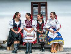 Devy naše krásne  #praveslovenske od @lietavova_p  #60RokovDokopy #slovensko #slovakia #slovakgirl #slovakiagirls #slovakfolklore #devy #dievcence #slovenskedievca #slovenskyfolklor #kroje #folkdress #folk #folklore #folklor #girls #beauty #traditionals #traditions #tradicie #happy #goodideaslovakia