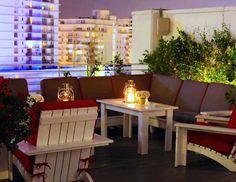 Bom dia! Continuando com a série de dicas para as férias uma lista de 5 hotéis BBB em Miami. O da foto é o Townhouse lindo na praia e super em conta! Clique no link da bio para ver a lista completa e reservar. The Townhouse Hotel has always been my favorite 'design-within-reach' in Miami! Photo credits TownHouse Hotel #miamihotels #townhousehotel #southbeach #southbeachmiami #southbeachhotels #dicasdeviagens #dicasdemiami #traveltips #topdestinos #oquefazeremmiami #amoviajar #visitemiami…