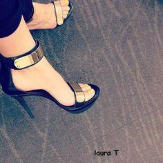 Laura T, dedica este calzado a todas sus seguidoras