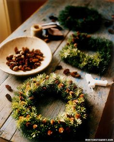 Pinecone Studded Wreath Tutorial - This technique is a quick way to spruce up a plain wreath purchased at a Christmas-tree lot or garden-supply shop. Christmas Tree Lots, Rustic Christmas, Christmas Holidays, Christmas Decorations, Natural Christmas, Christmas Night, Wreaths For Front Door, Door Wreaths, Holiday Wreaths