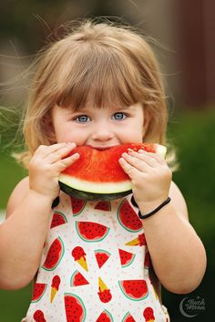 Little girl and watermelon in Summer Beautiful Little Girls, Beautiful Children, Beautiful Babies, Cute Baby Girl Pictures, Baby Photos, Watermelon Photo Shoots, Children Photography, Family Photography, Cute Kids