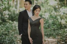 One Charming Couple's Sweet Engagement Album    http://www.bridestory.com/blog/one-charming-couples-sweet-engagement-album
