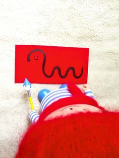 Ren shows you how to draw a snake in a simple way!