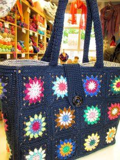 Knit and Crochet World Crotchet Bags, Knitted Bags, Crochet Handbags, Crochet Purses, Crochet World, Crochet Yarn, Handmade Kids Bags, Knitting Patterns, Crochet Patterns
