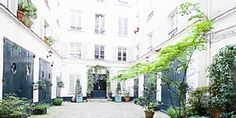 Charming flat in the very heart of Saint Germain des Prés