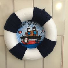 Bouée de sauvetage School Projects, Hanukkah, Wreaths, Halloween, Decor, Party, Lifebuoy, Visual Arts, Water