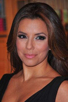 Eva Longoria #Eva Longoria #makeup - Makeup tips and beauty blog! http://ezsmokeyeyes.com/