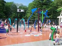 ansas City is home to many wonderful Spraygrounds! Spraygrounds are water playgrounds where children can run and play through sprinklers and sprays on a safe surface. This is a fantastic, fun, FREE way to cool off on a hot Summer Day. Spraygrounds are open Memorial Day - Labor Day across the Metro!