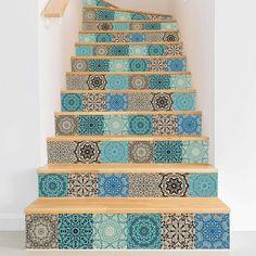 Niemand hat gesagt, dass ihr unsere Fliesenaufkleber nicht zweckentfremden dürft... ;) Wie wäre es mit einem individuellen Treppenaufgang mit marokkanischen Mosaiken? :) Stairway To Heaven, Dot Painting, Stairways, Bad, Handicraft, Inspiration, Design, Home, Decor
