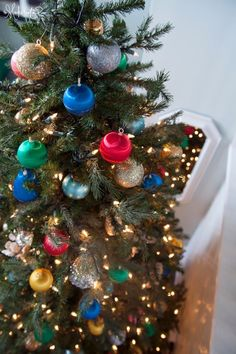 A Look at Our Home For Christmas with Blogger Stylin' Home Tours - The Makerista
