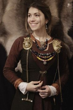 """maenadscraft: """" I show you my brightest smile to wish you an happy new year ! Thank you so much for your support and kind words. It's mean a lot for me ! May 2017 be a sweet and creative year ! Viking Garb, Viking Reenactment, Viking Dress, Viking Life, Viking Woman, Viking Clothing, Viking Jewelry, Historical Costume, Historical Clothing"""