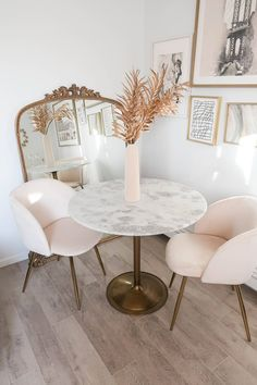 Anthropologie Primrose Mirror, How to Style the Anthropologie Primrose Mirror, Small Dining Spaces, How to Style a Dining Room in A Small Apartment Small Living Dining, Small Apartment Living, Small Living Rooms, Feminine Apartment, Small Dining Table Apartment, Small Dining Area, Small Apartment Interior, First Apartment Decorating, Condo Decorating