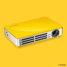 LE VIDÉO PROJECTEUR VIVETEK  Pour vivre votre passion cinéma en couleur de chez vous !  #jaunebycartenoire