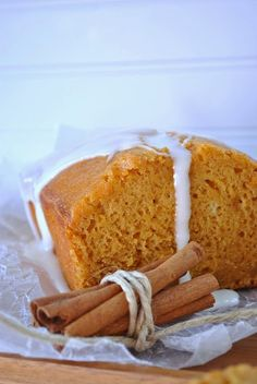 Starbucks Pumpkin Pound Cake « Yummy! I made them in mini loaf pans. The office staff gobbled them up. I did notice the loaf I saved for the second day was rubbery.