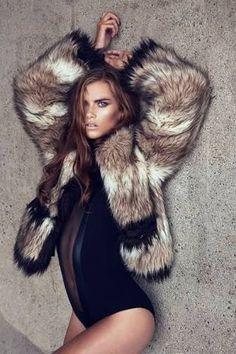 coat like Chiara Model Agneta Falk. Fake fur from Lanvin Fashion Model Poses, Fashion Shoot, Editorial Fashion, Fashion Models, Estilo Fashion, Fur Fashion, Shooting Studio, Photography Poses, Fashion Photography