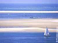 Résultats Google Recherche d'images correspondant à http://voyazine.voyages-sncf.com/var/voyazine/storage/images/destinations/france/poitou_charentes/la_rochelle/idees_vacances/special_voile_les_plus_beaux_spots/special_voile_les_plus_beaux_spots_de_l_atlantique/le_bassin_d_arcachon_escale_detente_en_catamaran/35537270-4-fre-FR/le_bassin_d_arcachon_escale_detente_en_catamaran.jpg