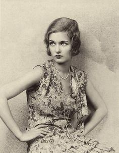 Gorgeous, gorgeous hair! | Joan Bennett, 1928 | via Gatochy hair-inspiration