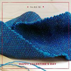 Sei ancora in tempo per regalare un'emozione unica e fatta a mano! Se vuoi che il tuo regalo arrivi entro il 14 febbraio affrettati... Per LEI e per LUI Doppio collo in seta e lino filati a mano  e tessuti manualmente a telaio, denim blu...  http://etsy.me/2Bg7d9m