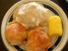 (Tricia Yearwood's) Gwen's Fried Chicken with Milk Gravy!! Comfort food at its' finest!
