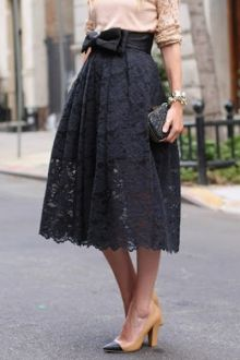 Black formal wear is great for a performing musician. Love the lace detail and length to the skirt.