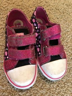 ea0171195c0a Pre-owned Lil Girls Hello Kitty Sneakers Size 9 In Good Condition  fashion