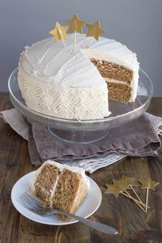 Chai Spice Cake with Vanilla Bean Buttercream (Vegan) | Veggie and the Beast