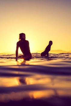 Byron Bay sunset  Photo: Ming Nomchong  #Surf #Surfing