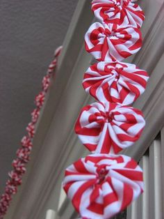 """Peppermint"" yoyo garland for Christmas."