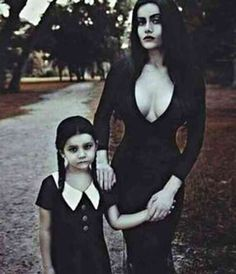15 Matching Mother-Daughter Halloween Costume Ideas