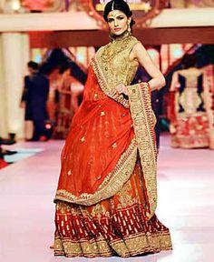 a409ae4c9 Ayesha Ibrahim TBCW 2015 Pakistan Bridal Fashion Dresses Fairfield ...