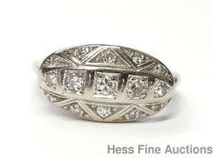 15 Diamonds on 1940s Cool Vintage 14k White Gold Ladies Fashion Ring Size 7.25 #FashionRightHand
