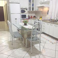 Cômodos inferiores tudo ok  cozinha limpa organizada e cheirosa. Sensação de paz e perfume delicioso no ar. Boa noite e bom descanso  . . #decasalimpa #cozinha #limpeza #casaorganizada  #home #casa #decor