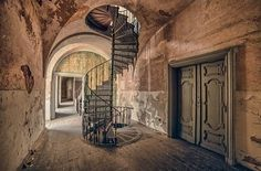 Like doors and staircase