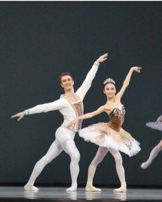 Male Ballet Dancers, Dance Ballet, Dance Tights, Dance Pictures, Audrey Hepburn, Ballet Skirt, Ballerinas, Diet, Beauty